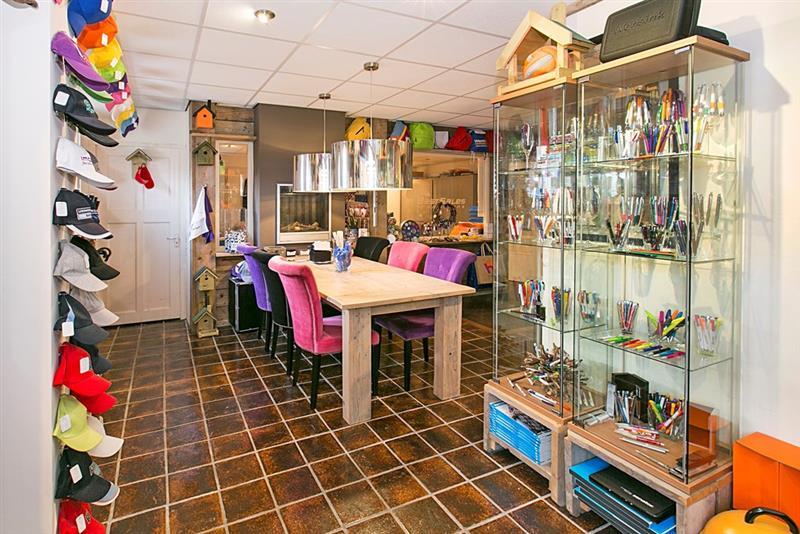 Robijnstraat woon en winkelruimte, Apeldoorn